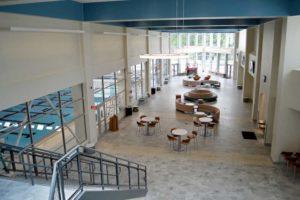 Image of Elkhart Health and aquatics Commons atrium